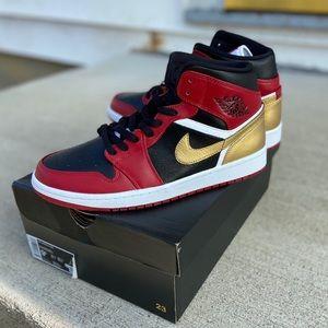 Custom Jordan 1 Sneakers